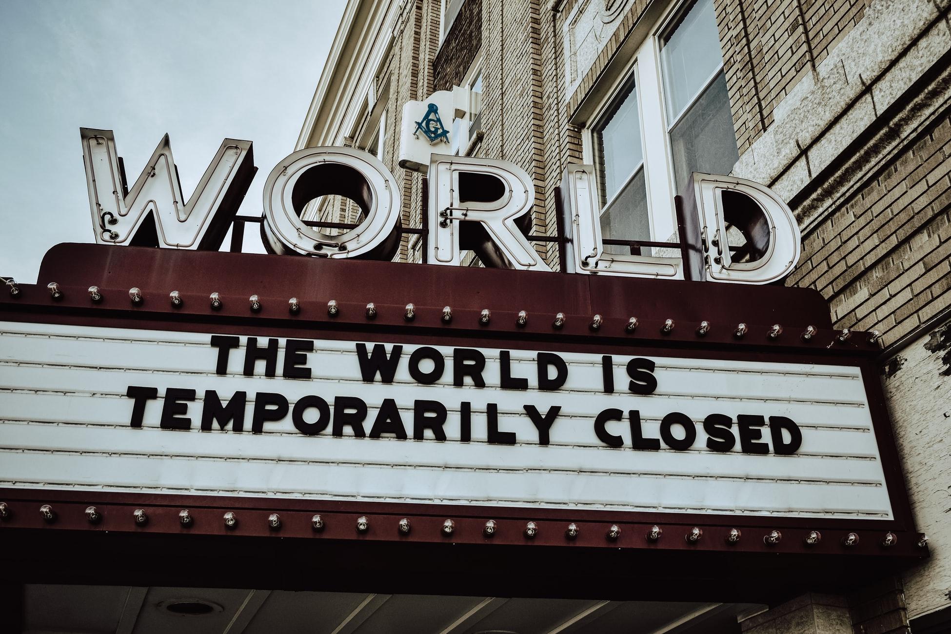 O lume nebună